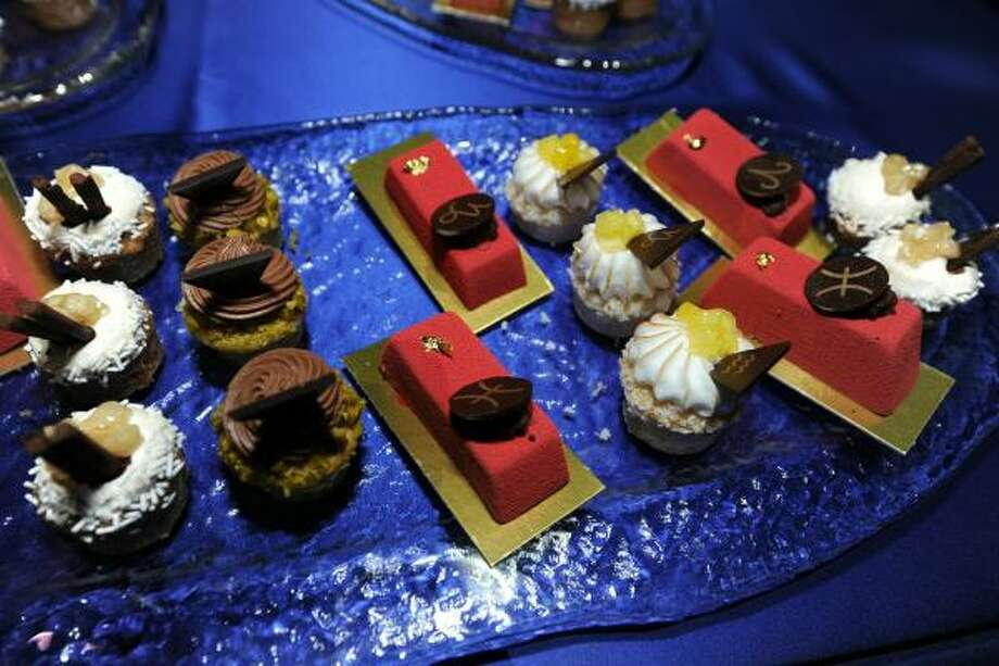 Sweets at the 62nd Primetime Emmy Governors Ball Press Preview Day at Nokia Theatre L.A. Photo: Frazer Harrison, Getty Images