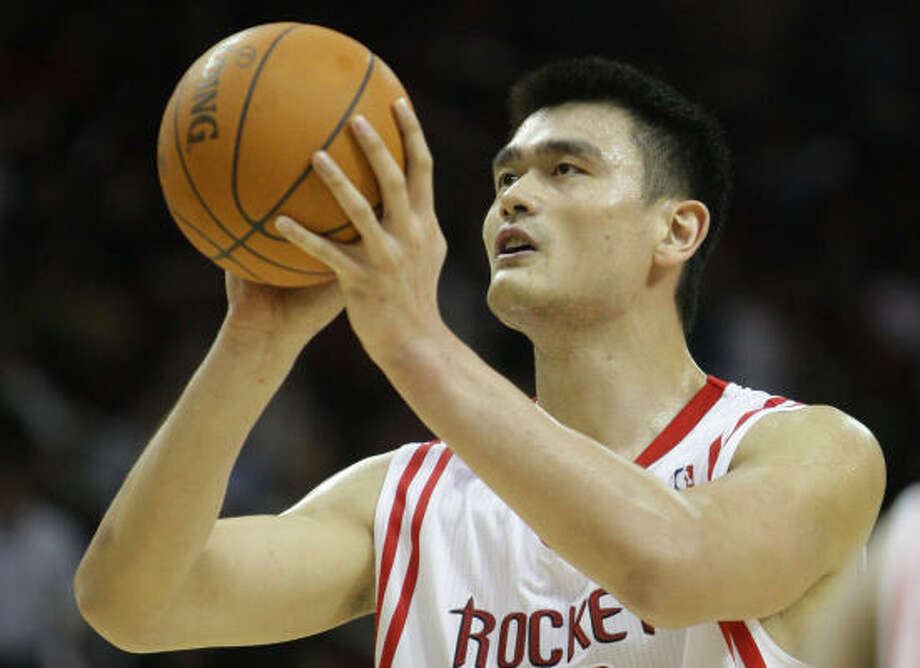 Yao Ming injured his ankle Nov. 10 against the Wizards. Photo: Karen Warren, Chronicle
