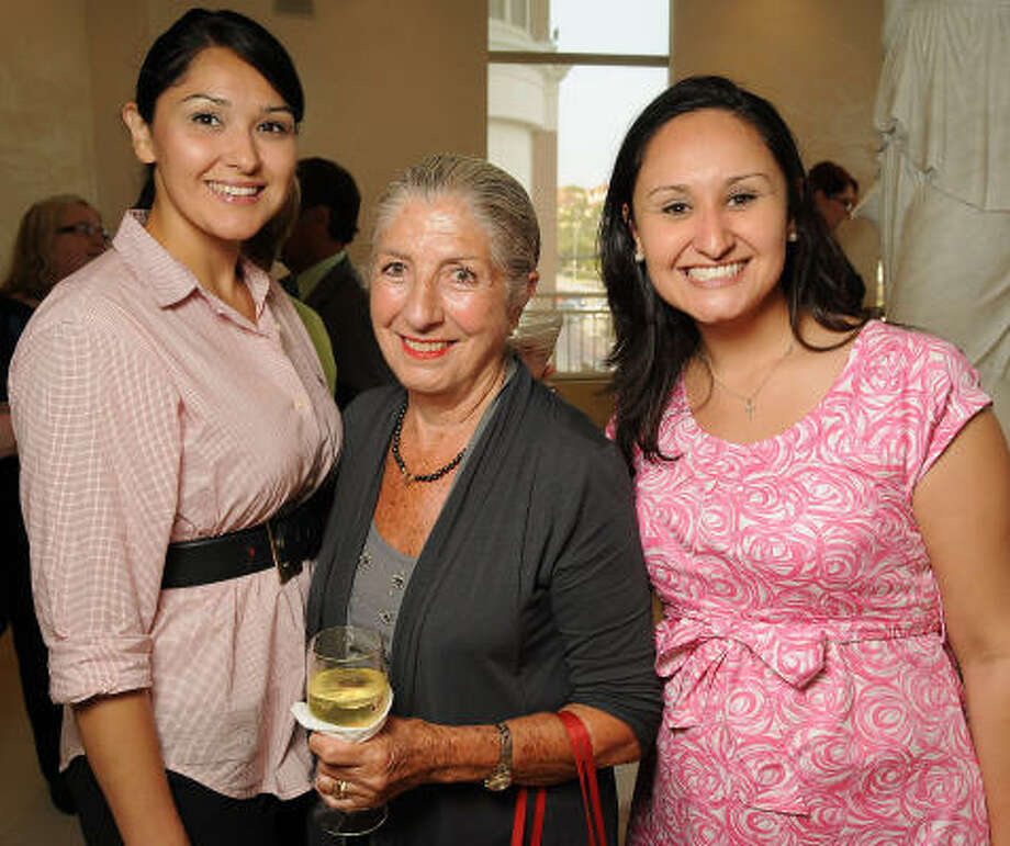 From left: Crystal Castillo, Chon Font and Cindy Martinez at a reception held at the Rome Salon and Day Spa to gear up for the 2010 Consular Ball honoring Mexico. Photo: Dave Rossman, For The Chronicle