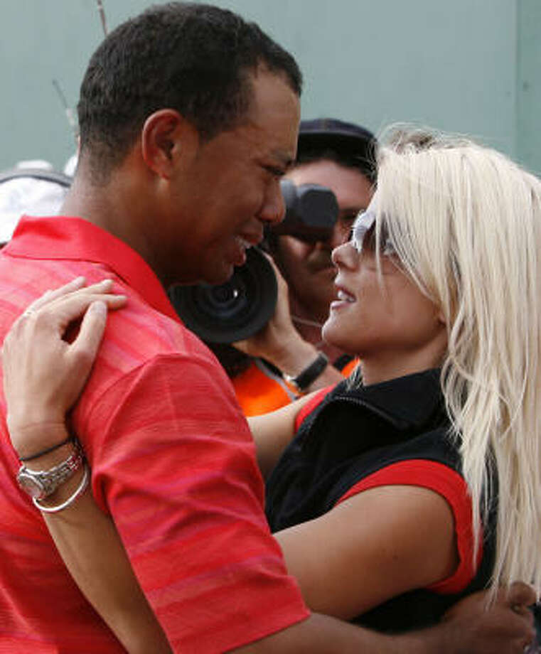 April 14Entertainment Tonight reports that the marriage between Tiger and his wife Elin is over. Photo: AP