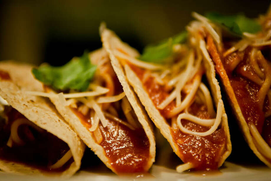 The New Fad Spaghetti Tacos