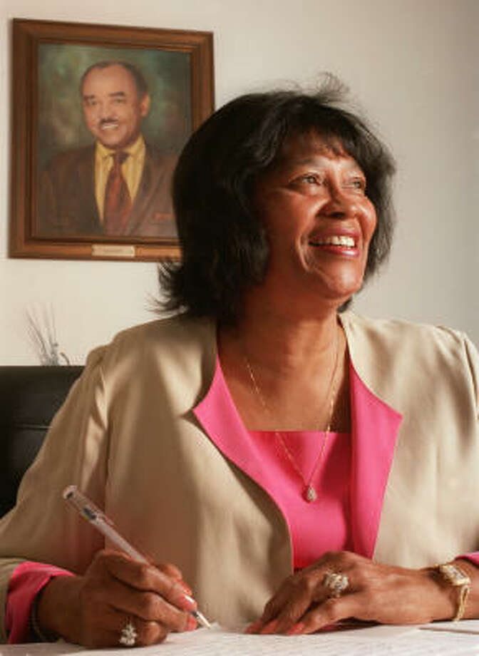 """Lenora """"Doll"""" Carter succeeded her husband as publisher of Houston Forward Times. Photo: Kevin Fujii, Chronicle File"""