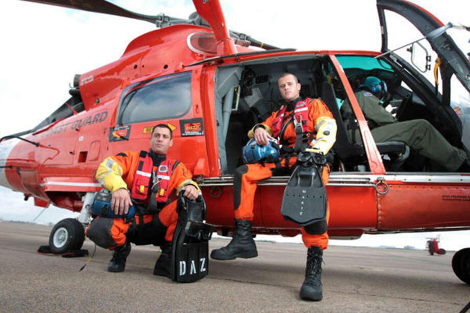 united states coast guard rescue swimmers