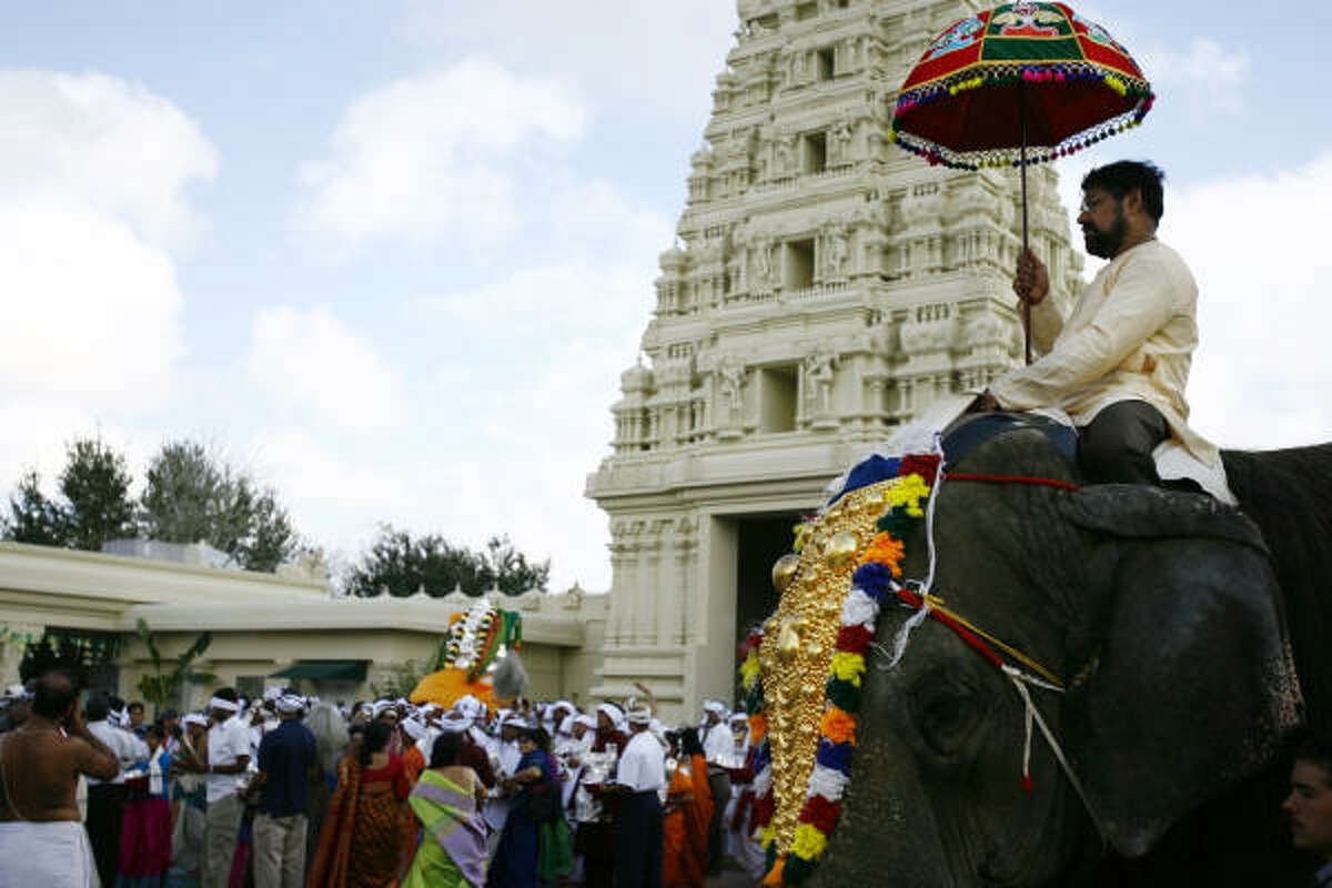 Pray: Sri Meenakshi Temple, in Pearland, makes you forget you live in Texas.