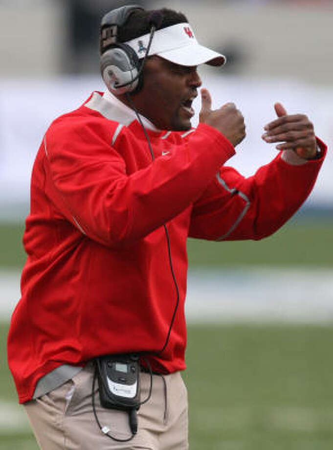 Kevin Sumlin has led the Cougars to back-to-back bowl appearances. Photo: Tom Pennington, AP