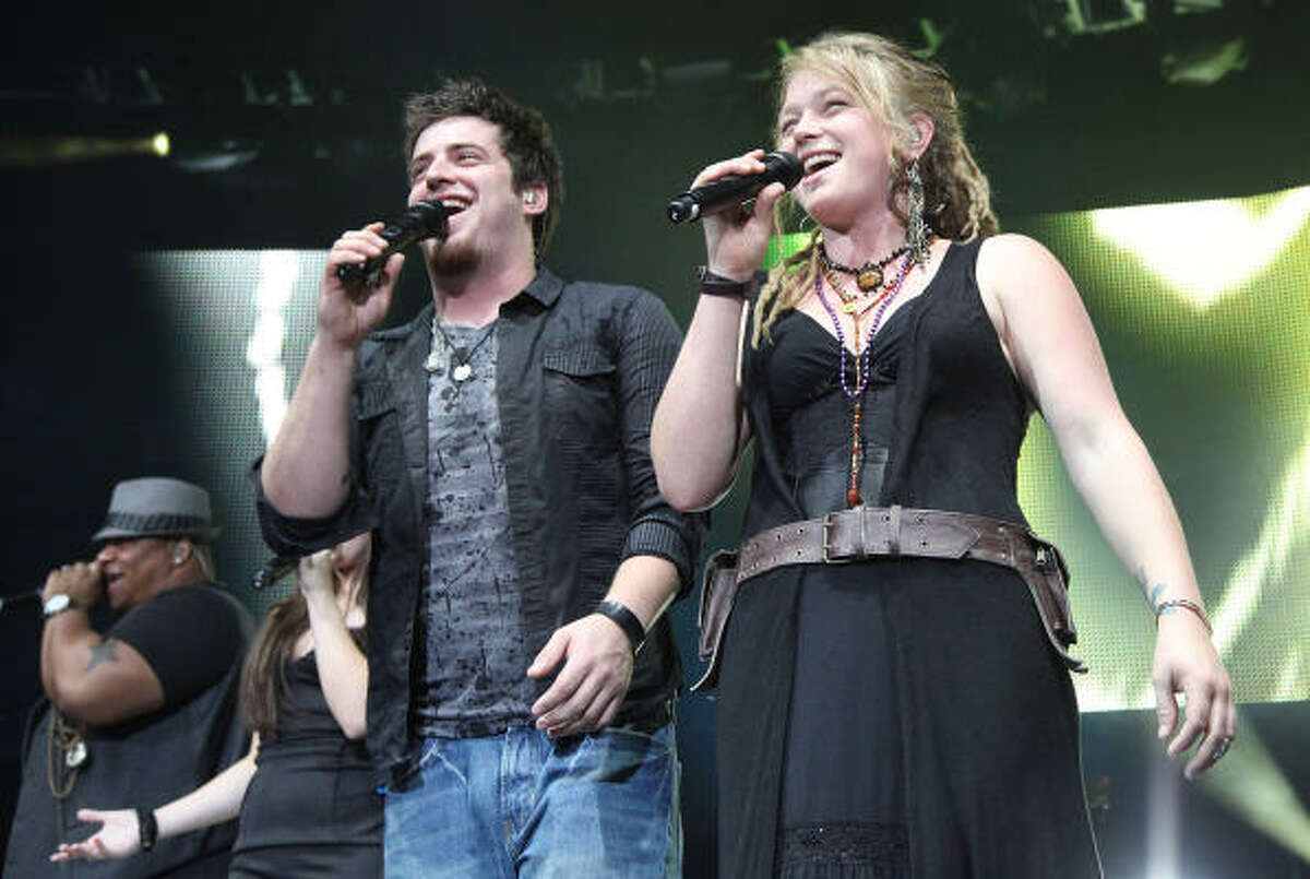 DeWyze and runner-up Crystal Bowersox