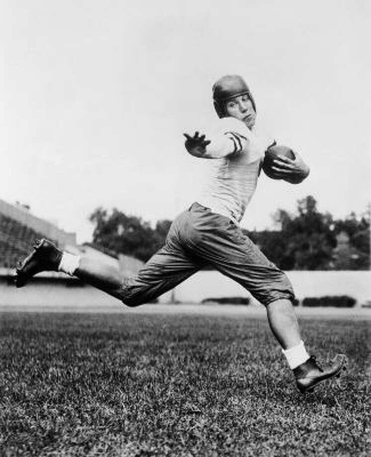 1935: Jay Berwanger  School: Chicago  Position: Running back  Class: Senior  Photo: AP