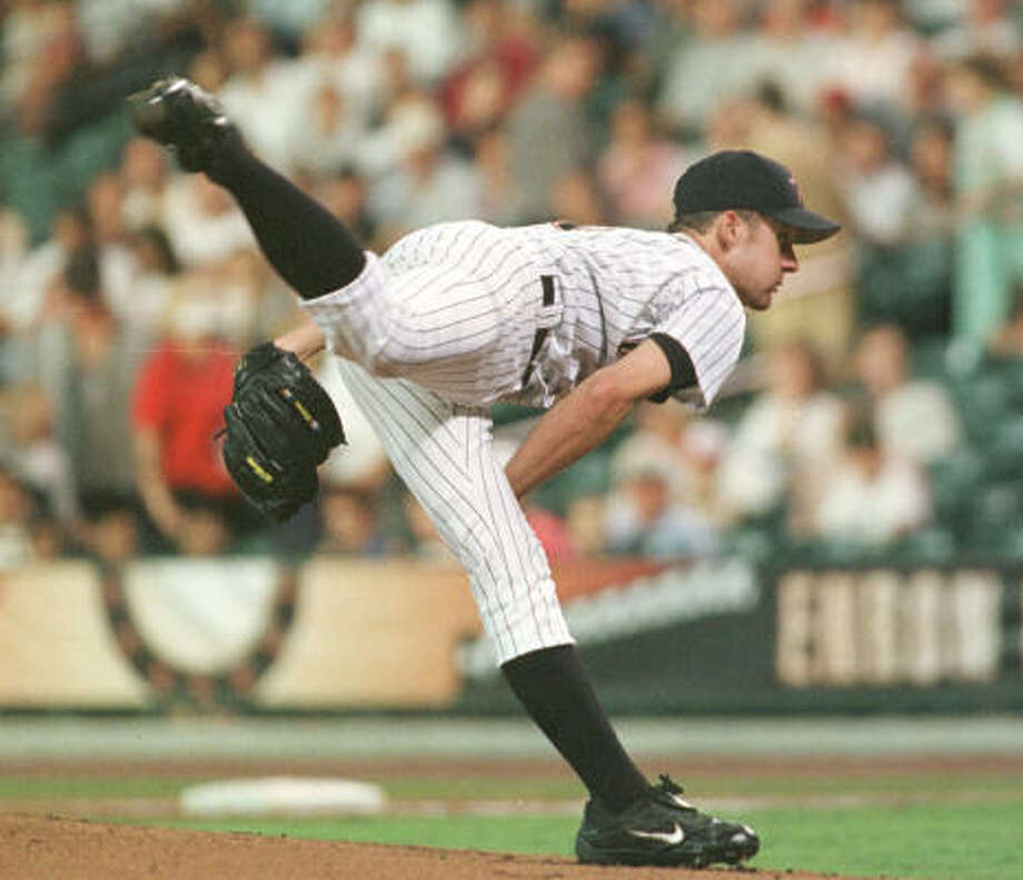 2002:Roy Oswalt was even better during his second season, going 19-9 with a 3.01 ERA. He finished fourth in National League Cy Young Award voting. Photo: Joe Jaszewski, Chronicle