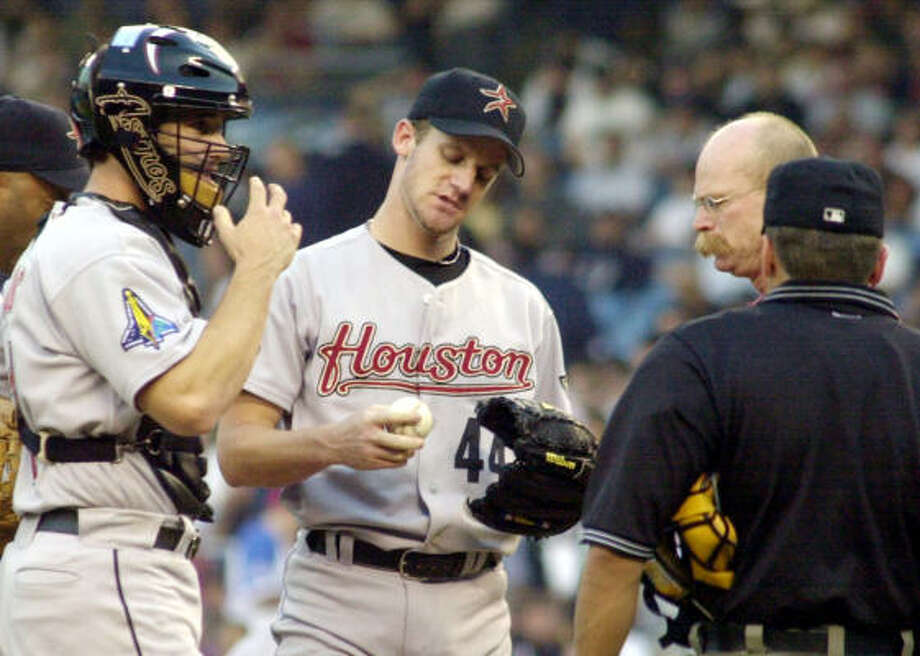 Roy Oswalt had to leave the game in the second inning with a groin injury. Photo: OSAMU HONDA, AP