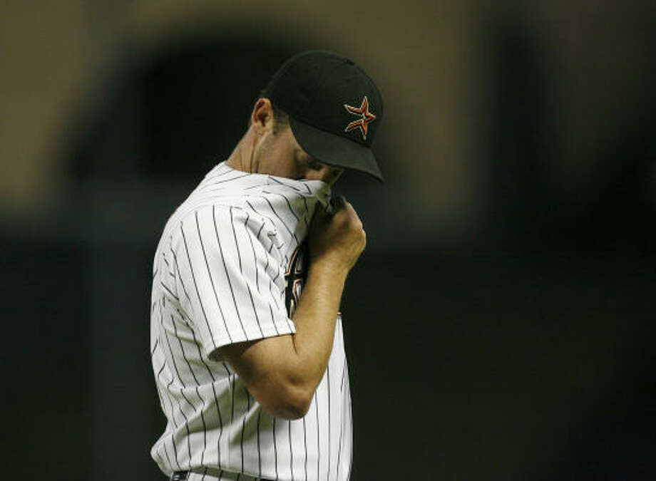 2009:Roy Oswalt struggled through the roughest season of his career, finishing 8-6 with a 4.12 ERA. It was the first season in which he did not record at least 10 wins. Photo: Johnny Hanson, Chronicle