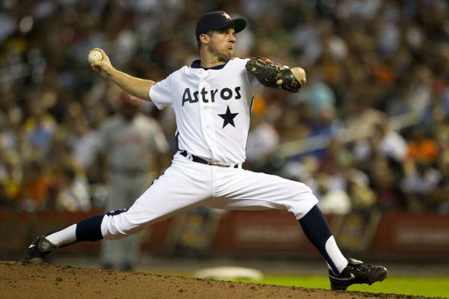 Roy Oswalt lasted only five innings in a 7-0 loss to the Reds on July 24. Oswalt was the victim of some of the worst run support in baseball in 2010. The Astros scored two or fewer runs in 11 of Oswalt's starts and were shutout five times. Photo: Brett Coomer, Chronicle