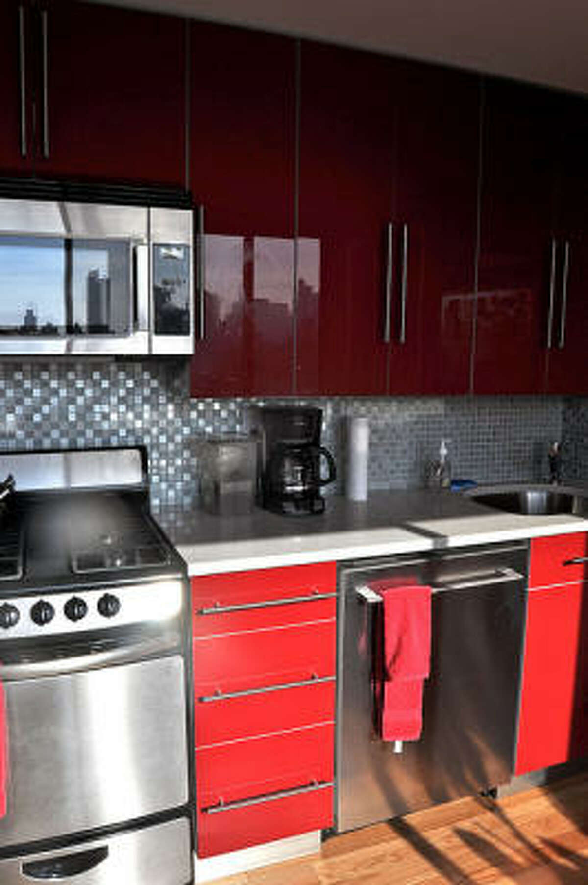 Shiny silvers and grays go with the stainless steel appliances.