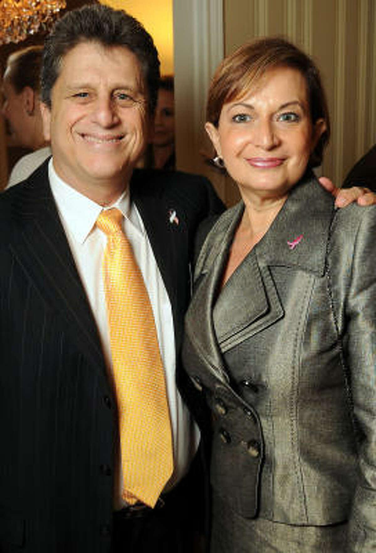 Yoav Weiss and Maria Jibaja-Weiss
