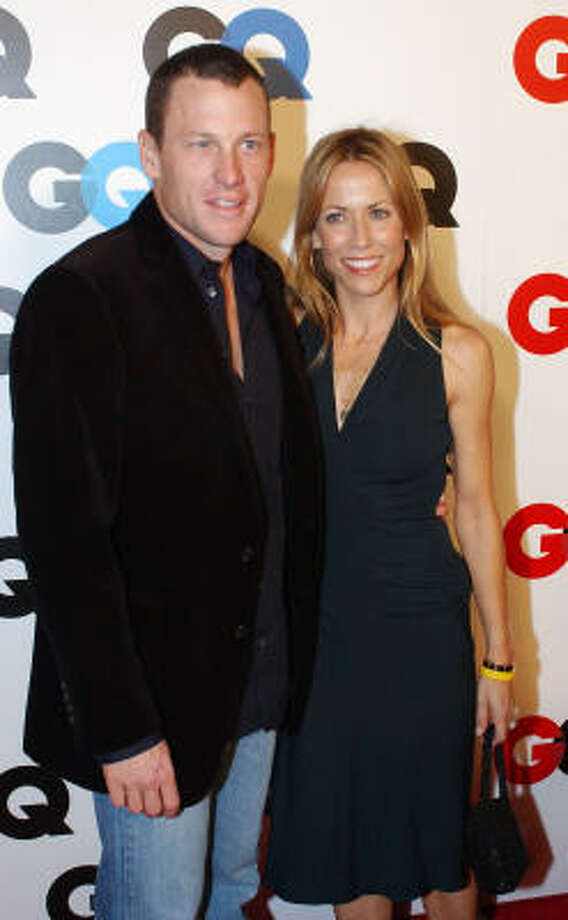 "Lance Armstrong and Sheryl Crow pose for photographers at GQ Magazine's party celebrating the 2005 ""Men of the Year"" issue. Photo: RENE MACURA, AP"