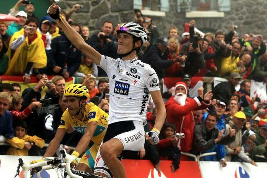 Andy Schleck won the prestigious stage but Alberto Contador crossed the line nearly shoulder to shoulder with the Luxembourg rider after the pair had broken clear in the final six miles. Photo: Spencer Platt, Getty Images