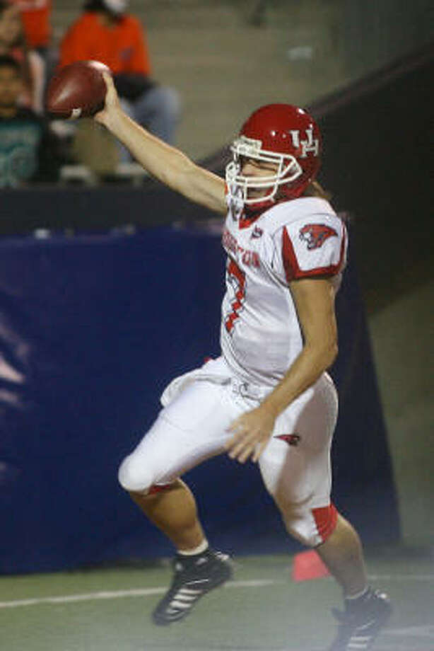 Oct. 27, 2007:While splitting time with Blake Joseph, Case Keenum threw one touchdown and ran for two more to help the Cougars defeat UTEP 34-31. Photo: Victor Calzada, AP