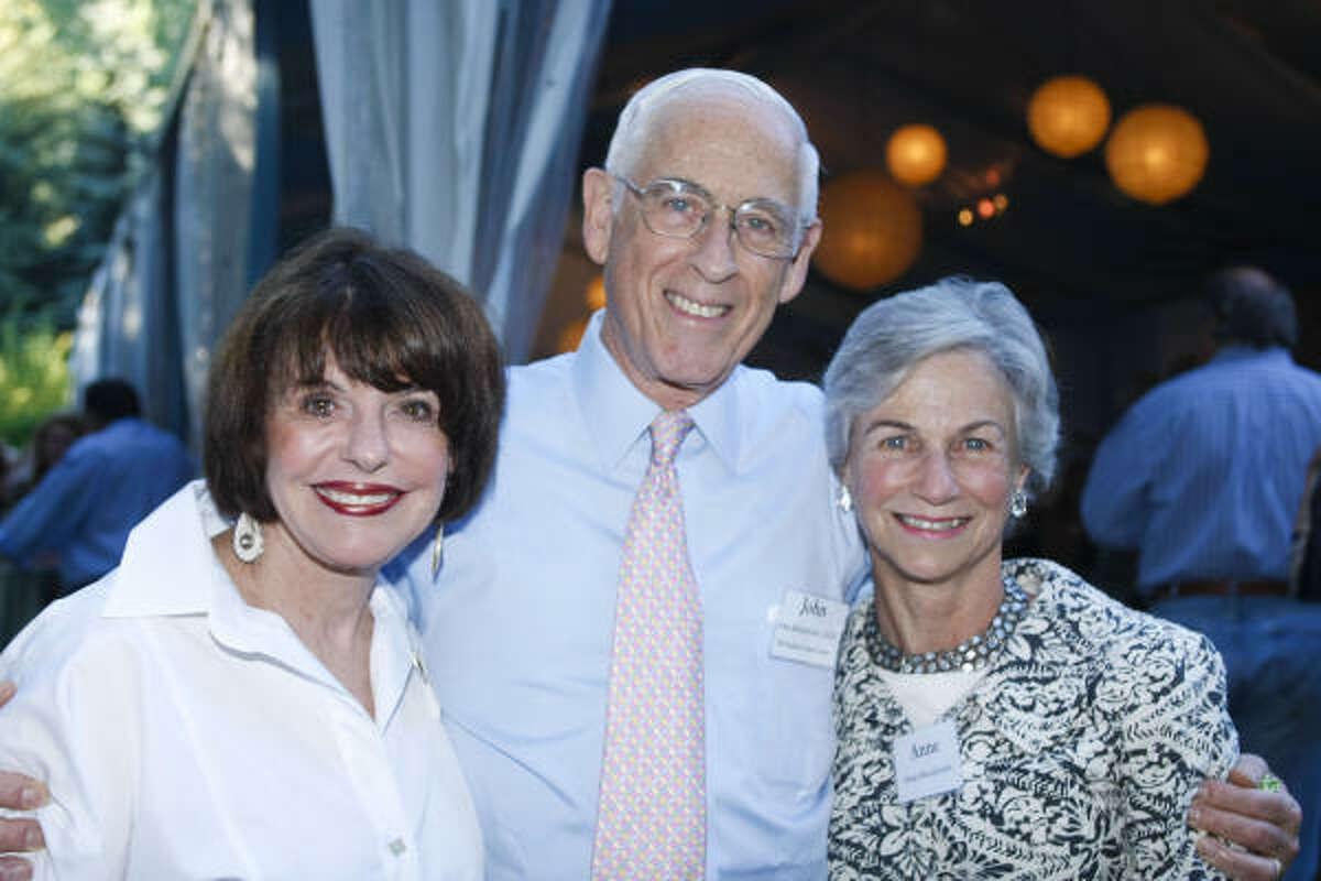Marlene Malek with John and Anne Mendelsohn.