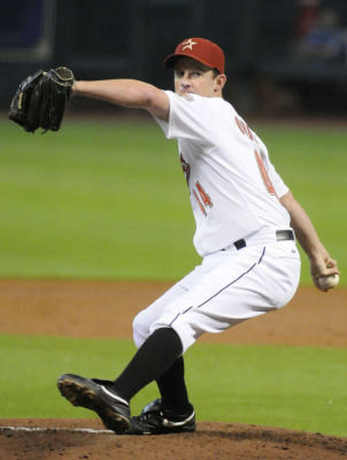 Roy Oswalt tossed a one-hit shutout, striking out eight Pirates to improve to 6-10.