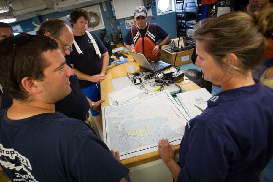 Crew members meet aboard the NOAA Ship Thomas Jefferson in the Gulf of Mexico just off of the Florida Keys. Photo: Smiley N. Pool, Chronicle