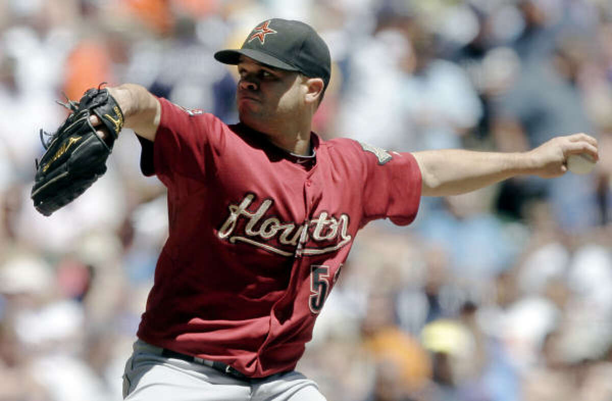 June 30: Astros 5, Brewers 1 Astros starting pitcher Wandy Rodriguez threw for seven innings giving up only one earned run off seven hits while striking out six in the Astros 5-1 victory over the Brewers.