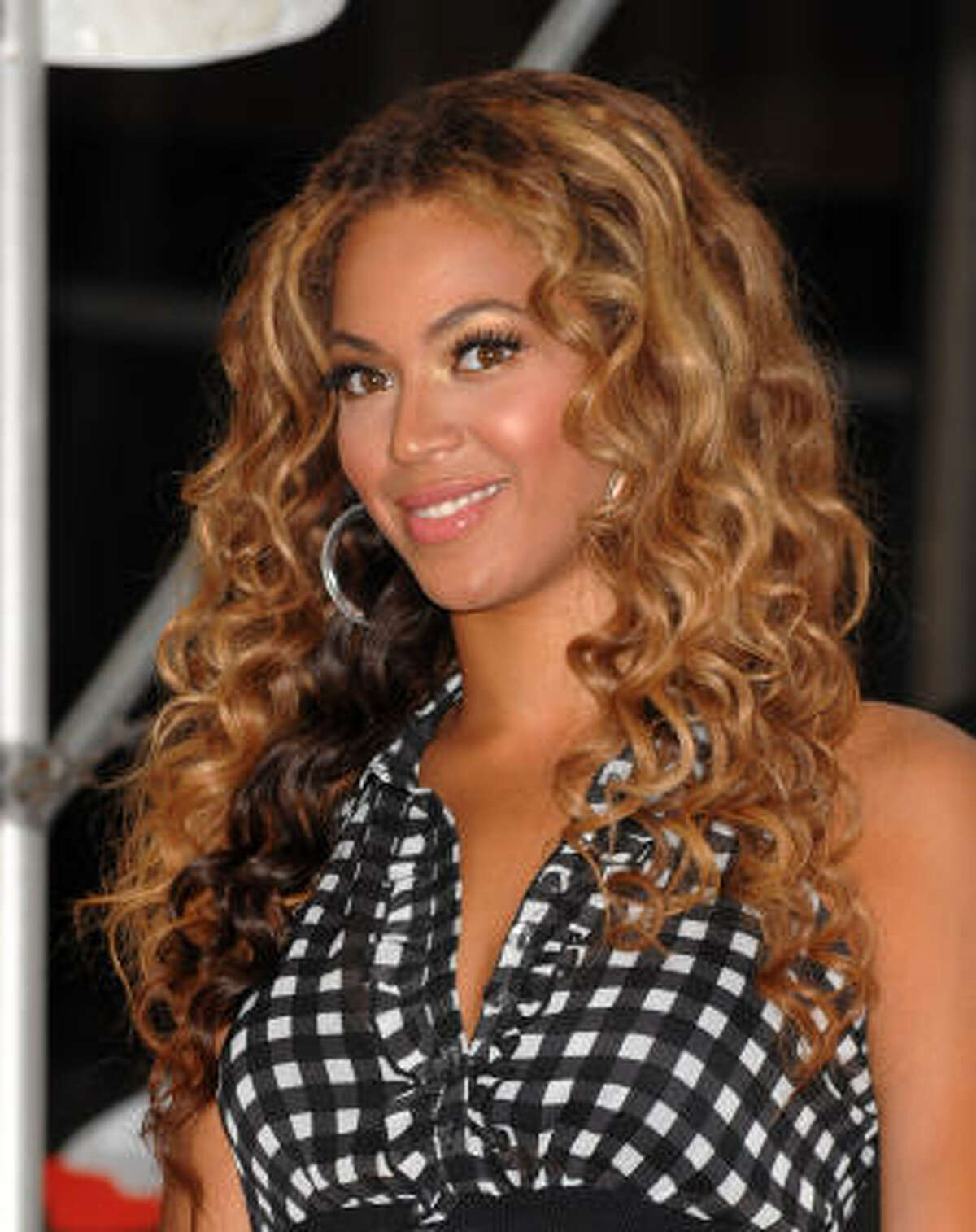 2. Beyonce Knowles, $87 million annual earnings