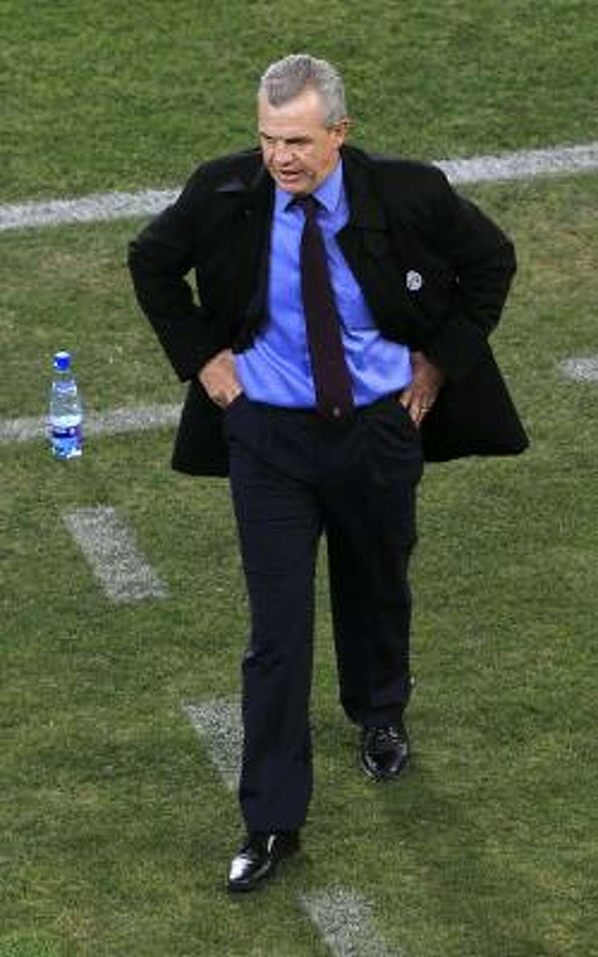 Mexico head coach Javier Aguirre paces the sidelines.