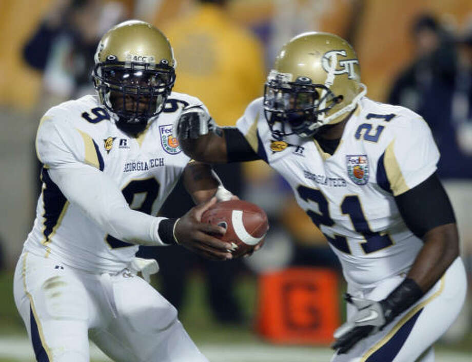 Georgia Tech running back Jonathan Dwyer, right, could be available to the Texans should they go the running back route. Photo: Wilfredo Lee, AP