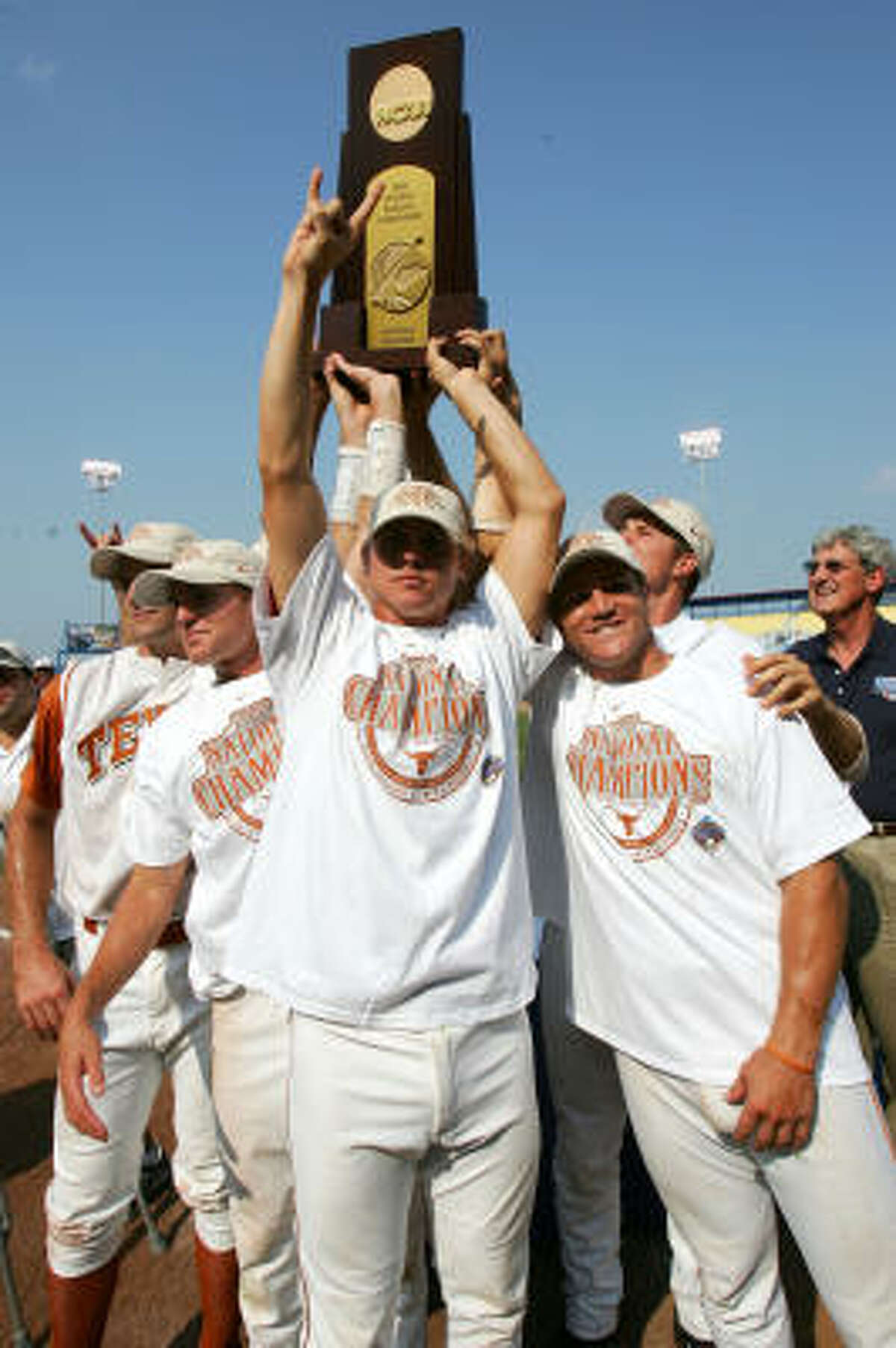 Texas (2005) The Longhorns swept Florida in the championship series to claim the program's first national title since 2002 and the second in the era of coach Augie Garrido.