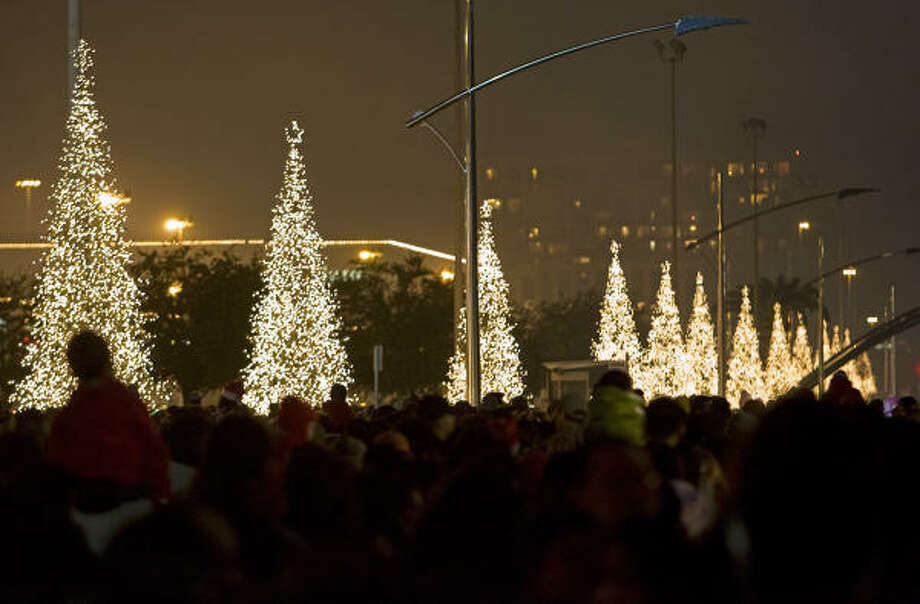 About 500000 bulbs light up Post Oak Boulevard between Westheimer and San Felipe during the holiday & Bob Luevano is architect of Uptown Holiday Lighting - Houston Chronicle