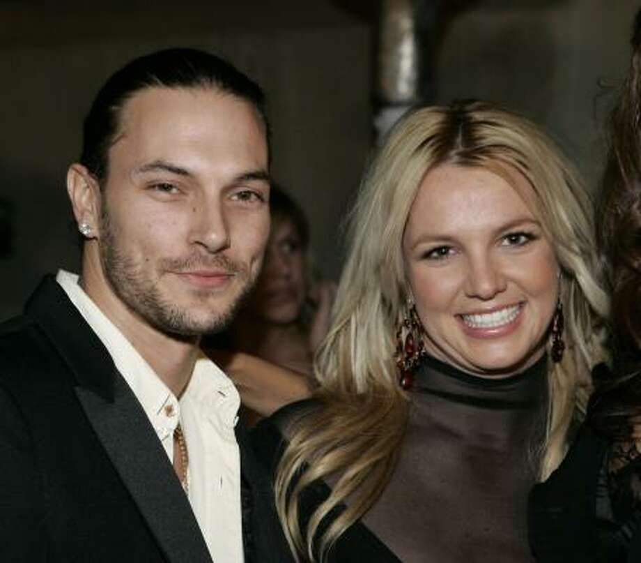 In July 2004, Spears announced her engagement to Kevin Federline, three months after they met. They had 2 kids. Photo: DANNY MOLOSHOK, AP