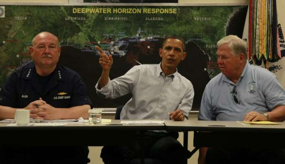 President Barack Obama meets with National Incident Commander Adm. Thad Allen, left, and Mississippi