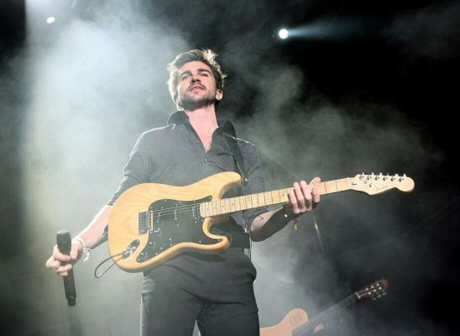 El rockero colombiano Juanes será uno de los artistas que cantarán en la inauguración del mundial. Photo: Ethan Miller, Getty Images