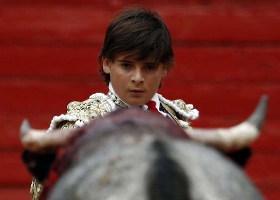French-Mexican bullfighter Michel Lagravere bullfights in Mexico City, Sunday, June 6, 2010. Photo: Miguel Tovar, AP