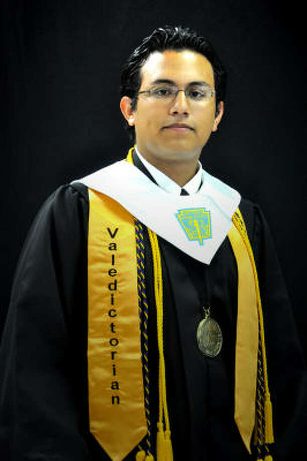 Jimmy Gomez Eisenhower High School Valedictorian College: Massachusetts Institute of Technology Career plan: Electrical engineering and computer sciences