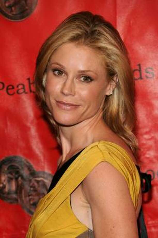 Modern Family's Julie Bowen has twin boys. A photo of her breastfeeding the boys sparked controversy recently. Photo: Bryan Bedder, Getty Images