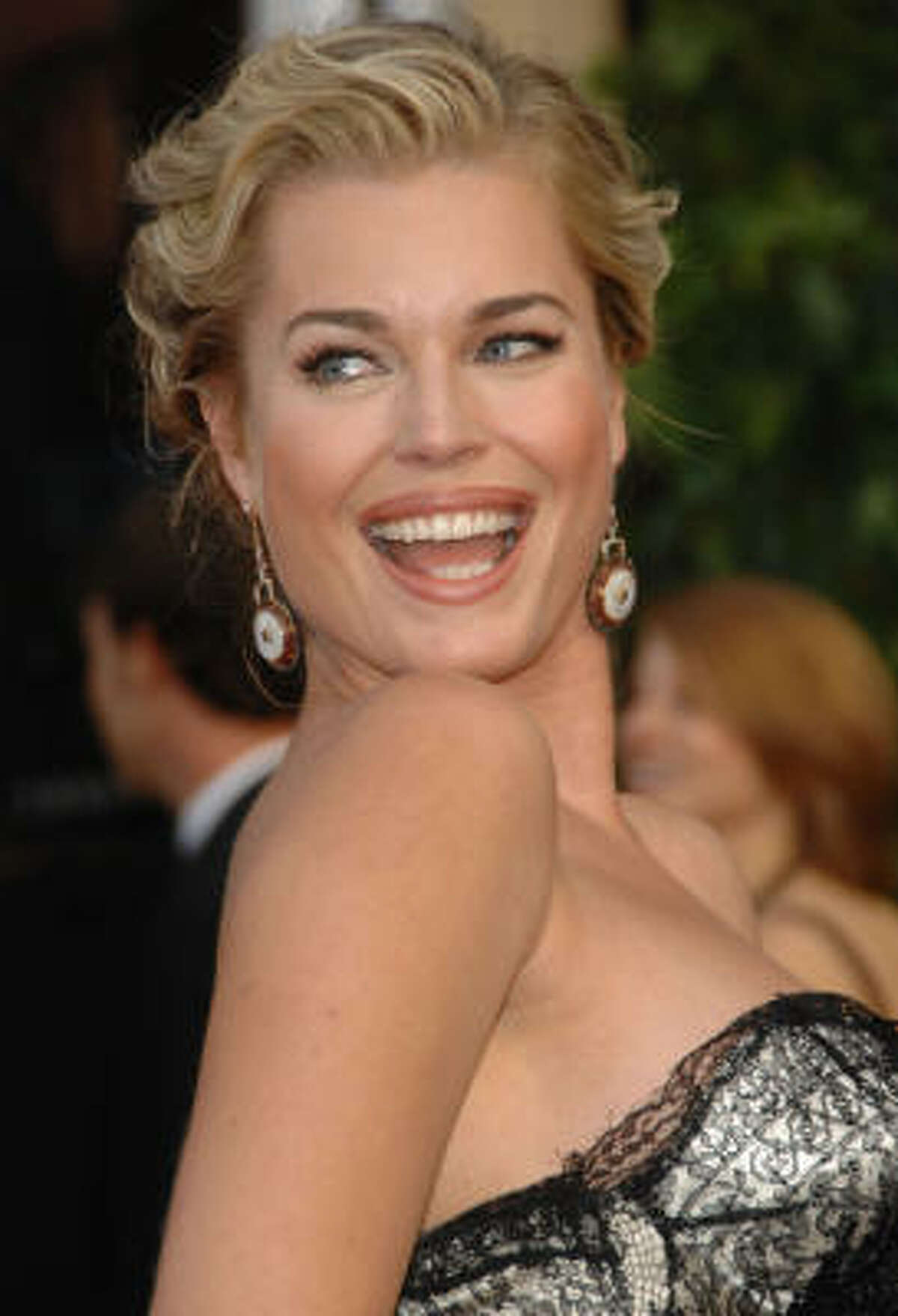 Rebecca Romijn has twin girls with Jerry O'Connell.