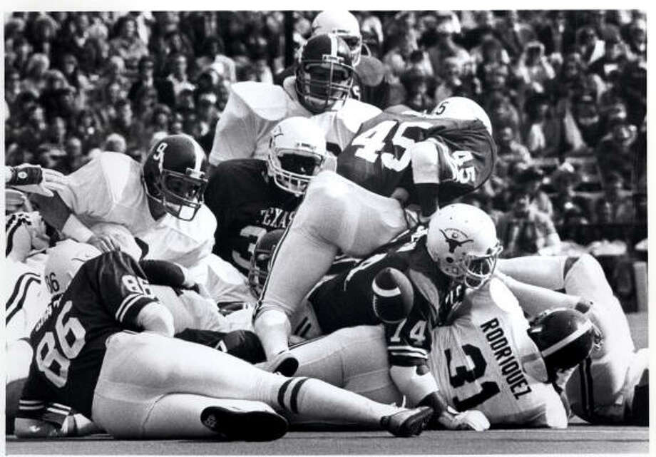 The Texas-Alabama matchup has featured some historic games like the 1982 Cotton Bowl but has been one-sided in favor of the Horns. Photo: Houston Chronicle