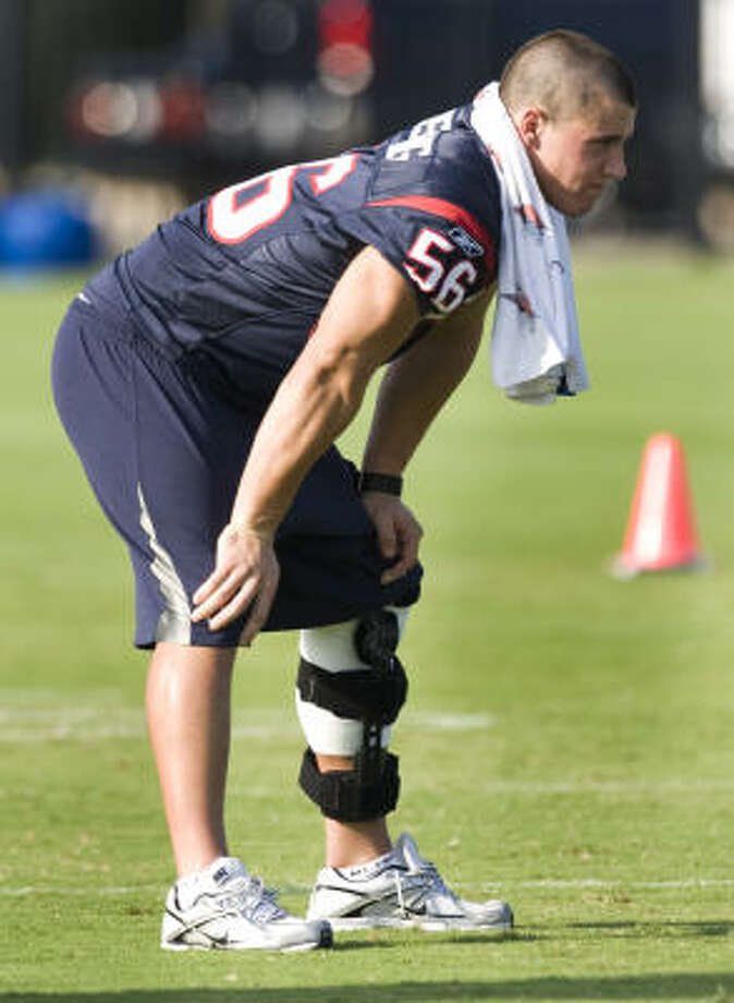 Brian Cushing will be on the field Monday when the Texans begin their organized team activities. Photo: Brett Coomer, Chronicle