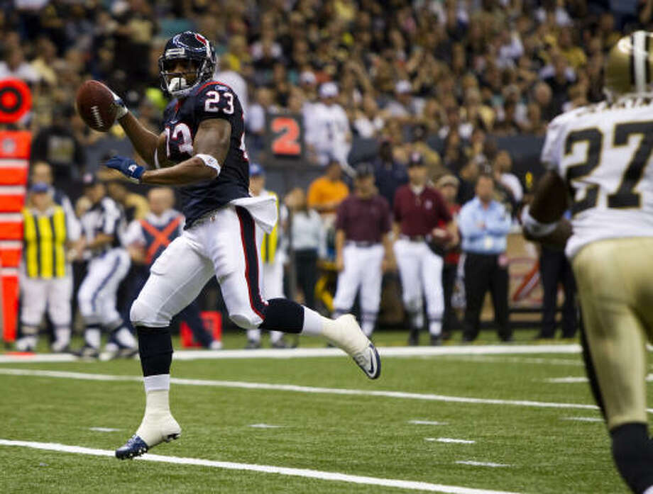 The Texans hope running back Arian Foster can improve on his strong performances from the first two preseason games. Photo: Brett Coomer, Chronicle