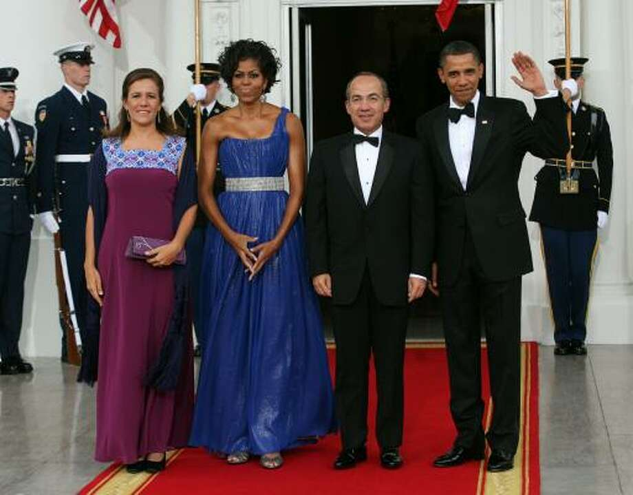 President Obama and first lady Michelle Obama welcome Mexican President Felipe Calderon and his wife Margarita Zavala to the White House. Photo: Getty Images