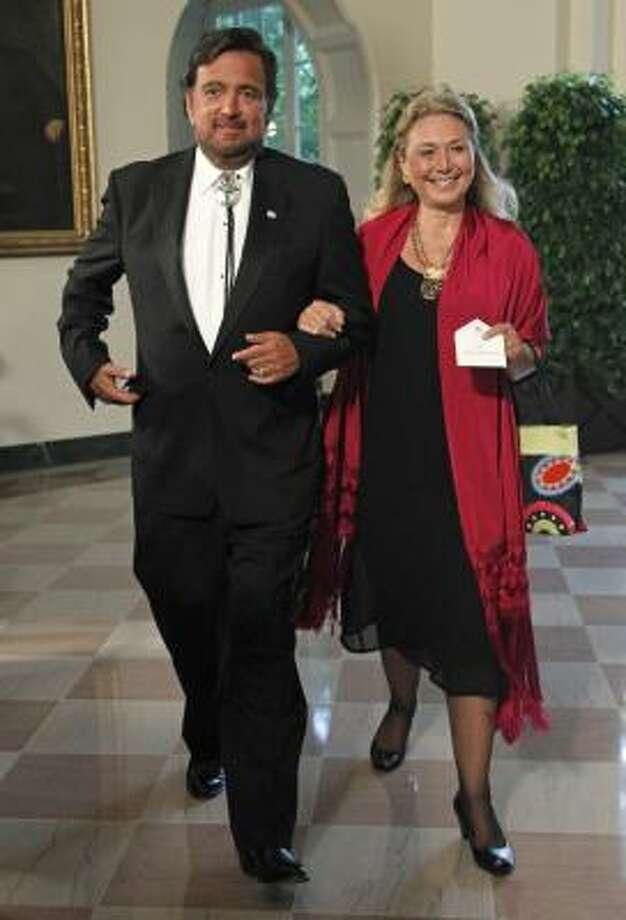 New Mexico Gov. Bill Richardson and Vesta Richardson arrive for the State Dinner for Mexican President Felipe Calderon. Photo: Haraz N. Ghanbari, AP