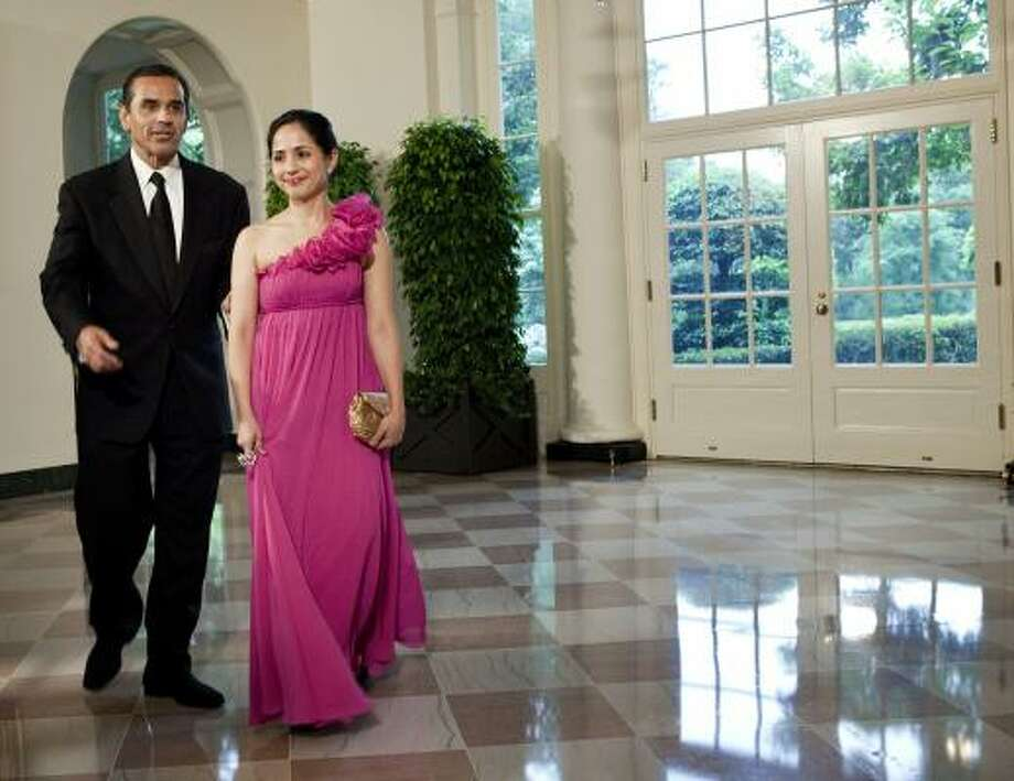 Antonio Villaraigosa, Mayor of Los Angeles, and Prisila Rodriguez arrive at the White House. Photo: Brendan Smialowski, Getty Images