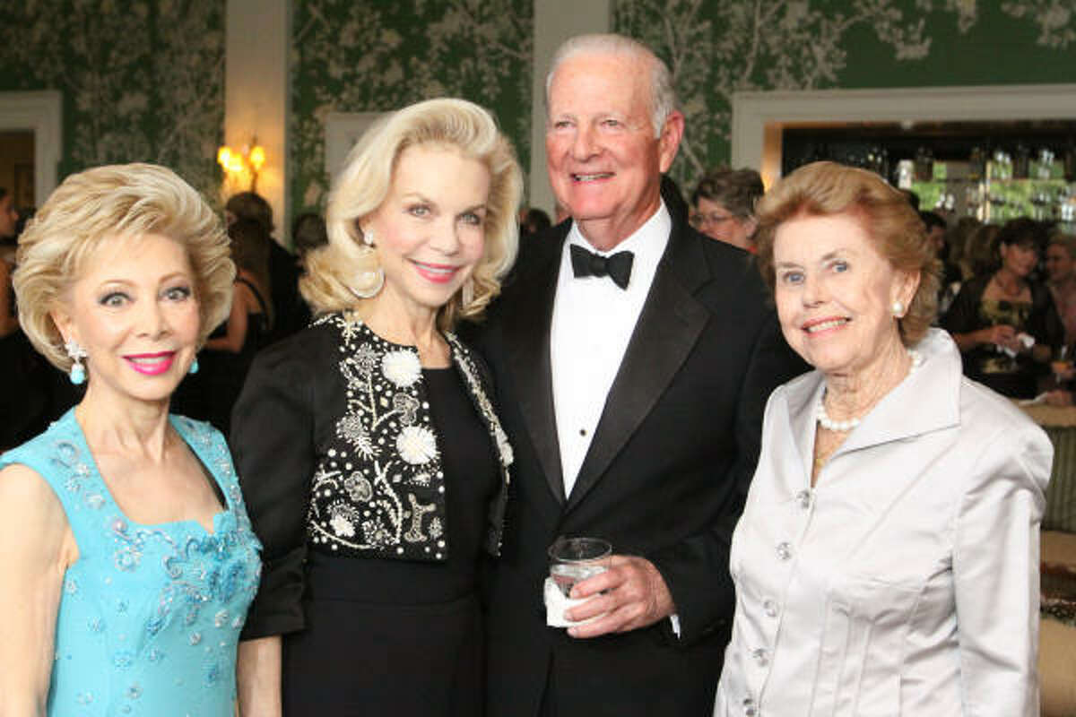 Margaret Alkek Williams, Lynn Wyatt, James Baker III and Louise Cooley