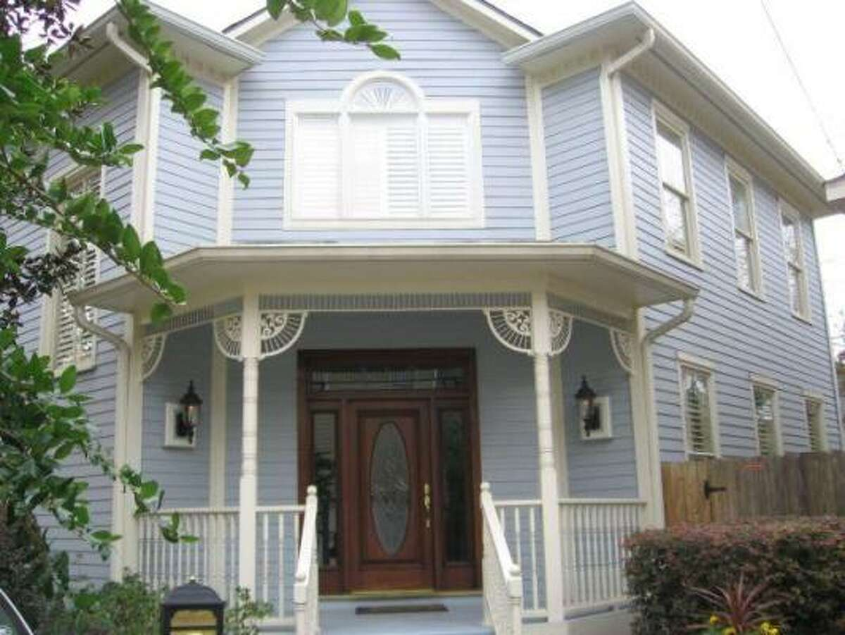 If you're looking for a single-family home to rent, this three-bedroom house has hardwood floors and plantation shutters. It's listed for $2,995 per month. See the complete listing.