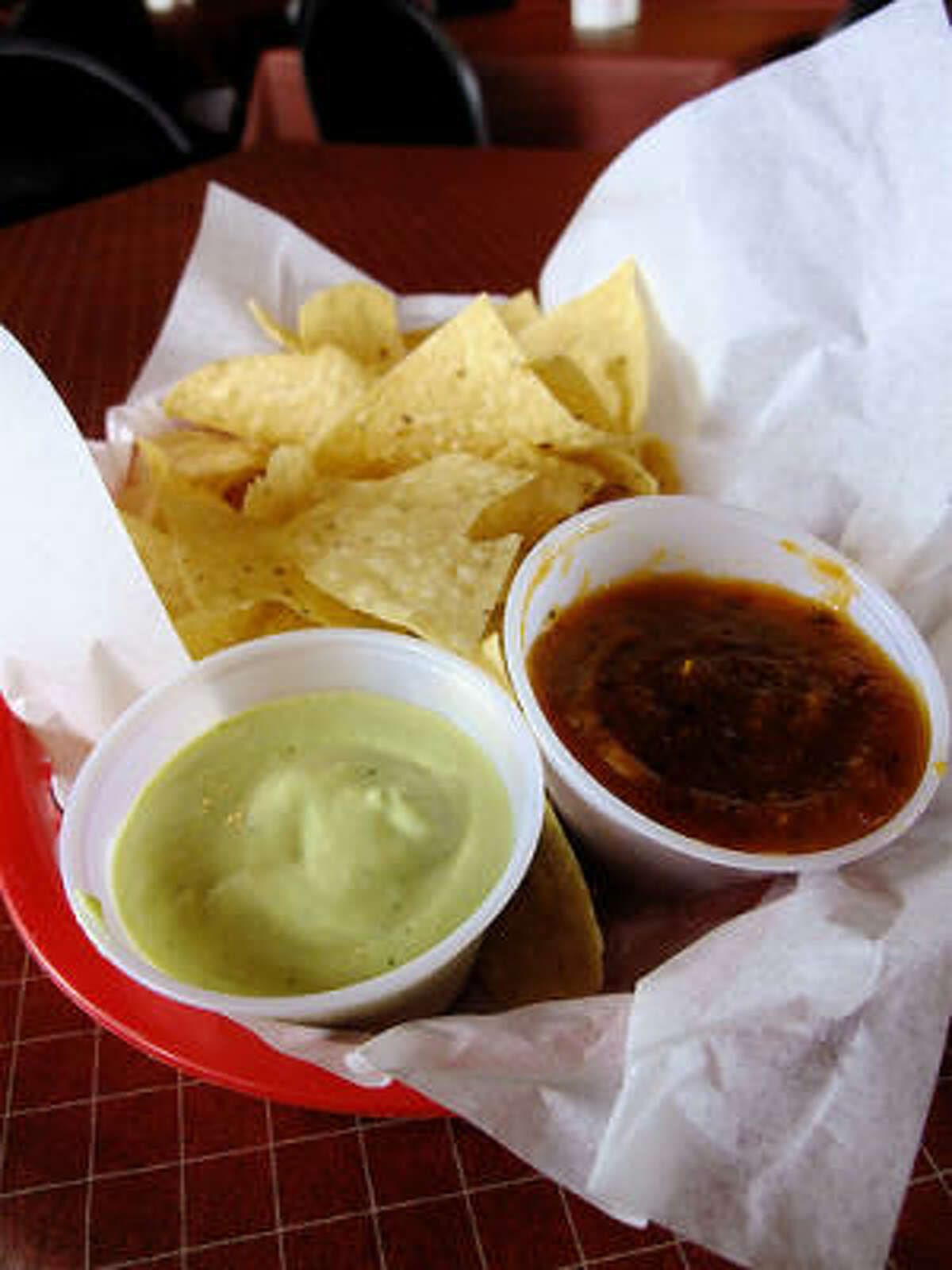 Complimentary green & red salsas & chips, Little Santos