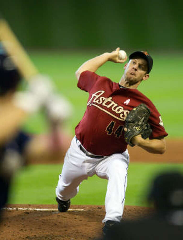Astros starting pitcher Roy Oswalt lasted eight innings, the longest outing by an Astros starter this season. Photo: Smiley N. Pool, Chronicle