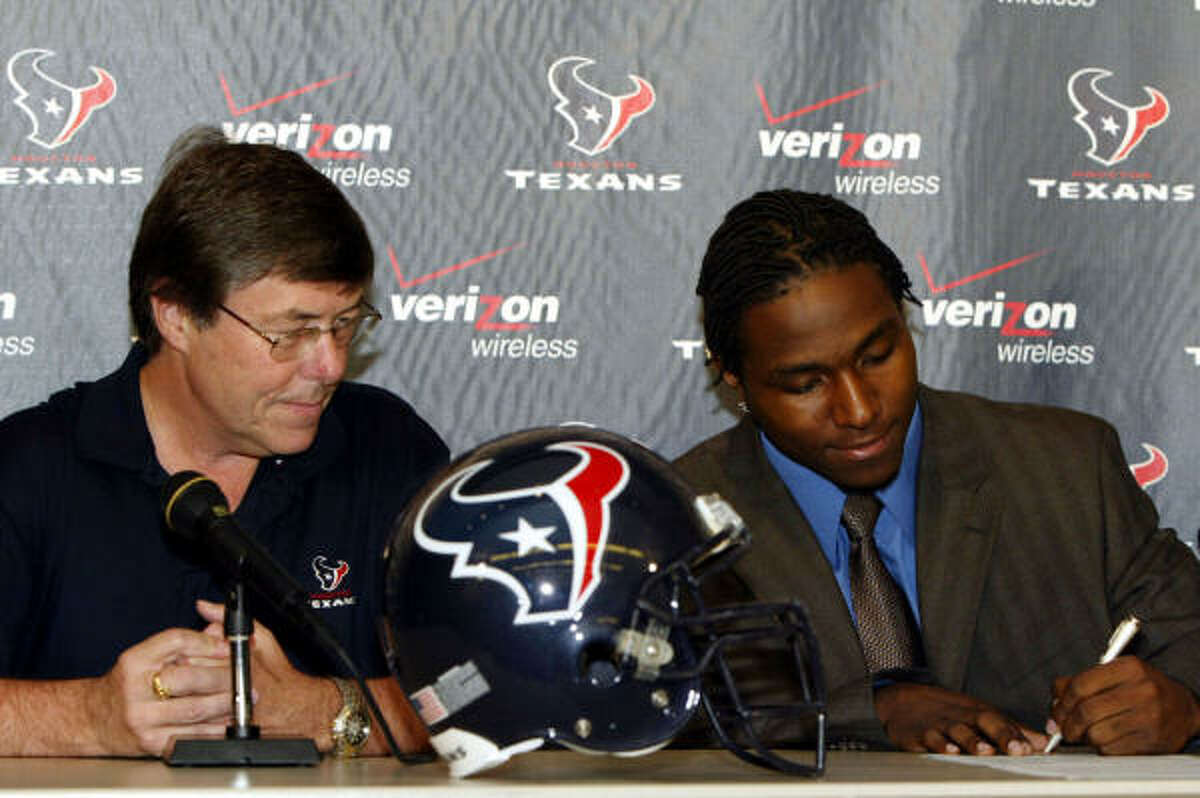 2004: Dunta Robinson, cornerback, South Carolina After six seasons, Robinson signed as a free agent with Atlanta this offseason after the Texans opted not to place the franchise tag on him for a second straight season. Robinson, the 10th selection, finished with a franchise record 13 interceptions.