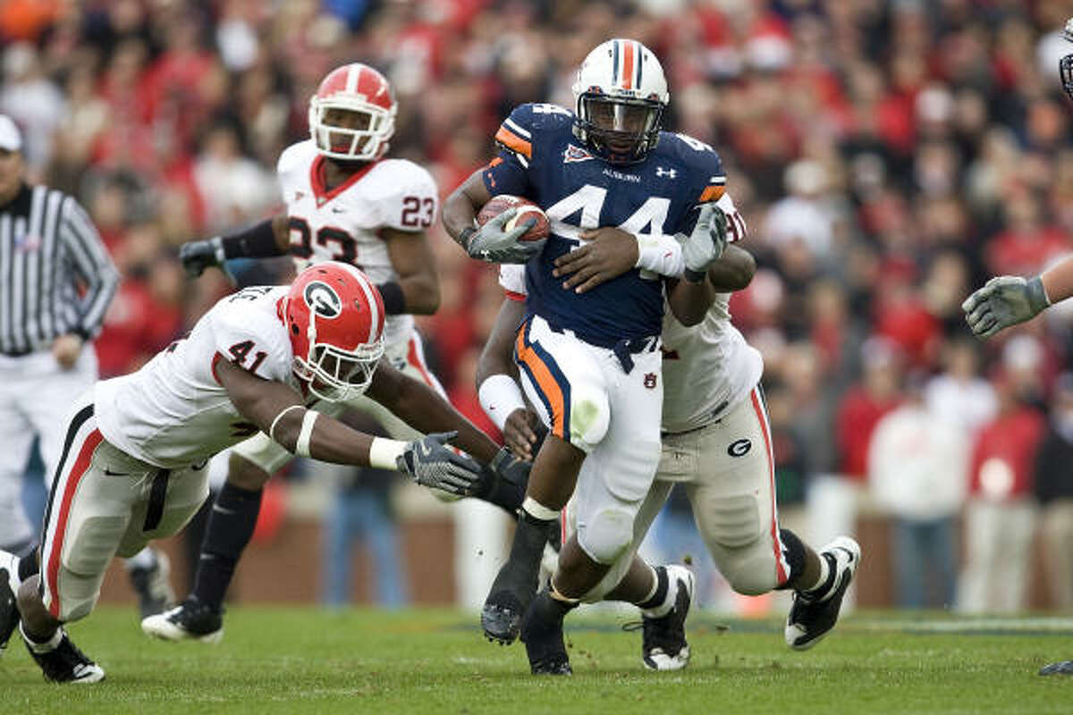 Ben Tate will join a backfield that includes Steve Slaton, Arian Foster, Ryan Moats, Chris Henry and Jeremiah Johnson.
