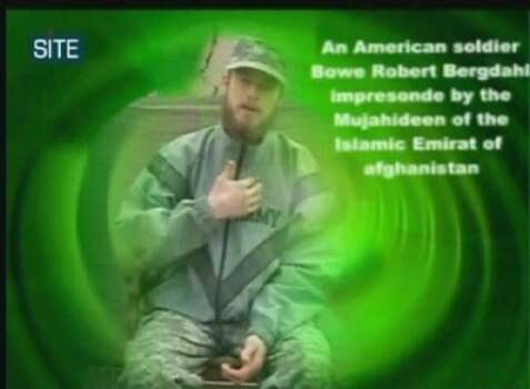 Esta imagen tomada de un video difundido el miércoles 7 de abril del 2010, por el Talibán, muestra a un hombre identificado como el soldado estadounidense Bowe Bergdahl (AP Foto/Site Intelligence Group) MANDATORY CREDIT: SITE INTELLIGENCE GROUP; ON-SCREEN LOGO MUST NOT BE OBSCURED; NO SALES; ADDS THE ASSOCIATED PRESS HAS NO WAY OF INDEPENDENTLY VERIFYING THE CONTENT. Photo: AP