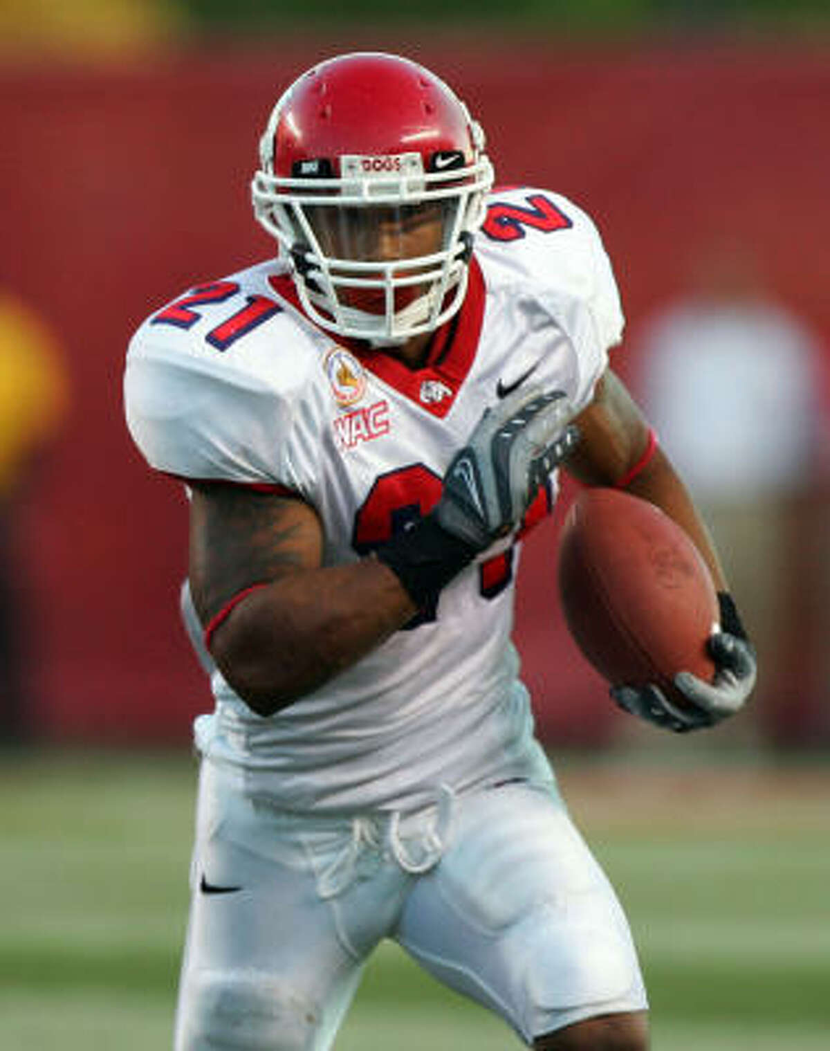 Ryan Mathews, 5-11 ¾, 218, 4.47, Fresno State A junior who rushed for 1,808 yards - 6.6 per carry - and scored 19 touchdowns last season. He's ideal for the one-cut, zone system the Texans, Redskins and Seahawks, among others, are using. Played in a pro-style offense for former NFL assistant Pat Hill. Needs to work on blocking and receiving. Injuries are a concern. Should be the second back drafted.